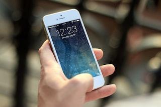 Apple aggiusterà il tuo iPhone anche se hai sostituito la batteria con una non originale