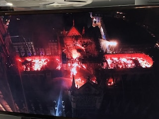 Notre Dame, i droni sono stati decisivi per domare l'incendio della cattedrale di Parigi