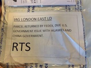 FedEx si è rifiutata di consegnare uno smartphone Huawei negli USA