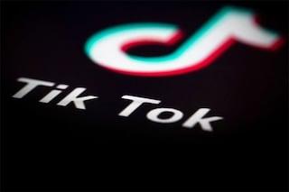 """TikTok sotto indagine: """"Mette a rischio i dati dei minorenni"""""""