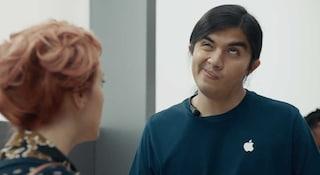 Anche Samsung toglie il jack per le cuffie (e cancella gli spot dove prendeva in giro Apple)
