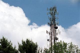 In più di 1.200 comuni in Italia il cellulare non prende
