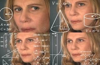 Chi è Math Lady, la signora della matematica diventata un meme (e che in realtà recita in TV)