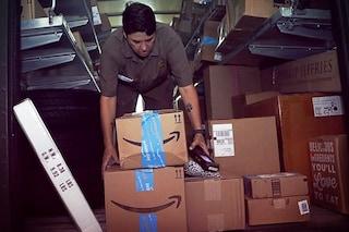 Amazon sta riempiendo i suoi magazzini di merce cinese per paura del Coronavirus