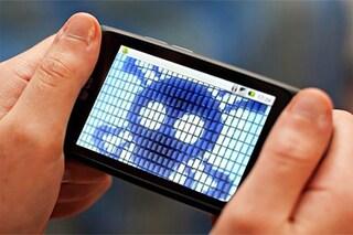 Cosa vedono e sentono gli hacker quando ti installano un malware sullo smartphone