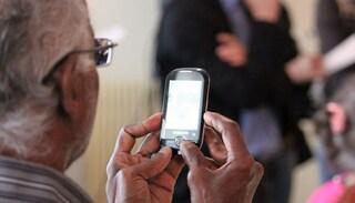 Quale smartphone regalare a tuo nonno per Natale