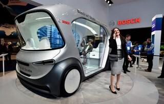 Ecco il mini autobus elettrico e a guida autonoma che ti porterà in giro per la città