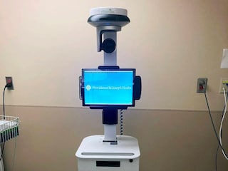Questo robot cura i pazienti infettati dal coronavirus al posto dei medici