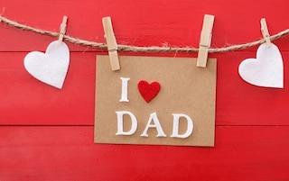 Buona festa del papà su WhatsApp: le migliori immagini e frasi da inviare gratis