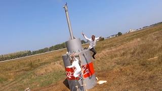 Uno YouTuber ha realizzato un vulcano di Coca-Cola da 10.000 litri