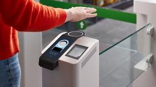 Arriva Amazon One, il sistema di pagamenti che riconosce il palmo della mano