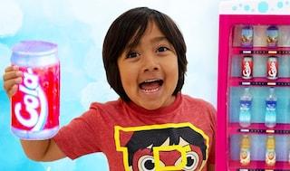 Il nuovo trend dei baby influencer è sponsorizzare i fast food ai bambini