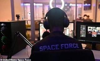 """USA e Regno Unito sono in """"guerra"""", ma su Call of Duty: così gli eserciti si sfidano ai videogiochi"""