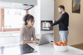 La nostra casa è poco smart? Facciamola evolvere con gli elettrodomestici giusti