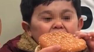 Chi è Burgirr, il ragazzo diventato virale che in realtà non è un bambino