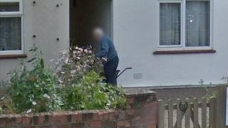 Gli utenti di Google Maps stanno cercando i parenti morti usando le vecchie foto di Street View