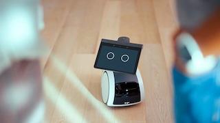 Amazon vuole metterti in casa un robot che ti segue e sorveglia le stanze al posto tuo: ecco Astro