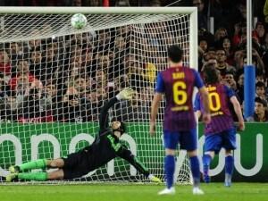 Il rigore sbagliato da Messi contro Cech nel 2012