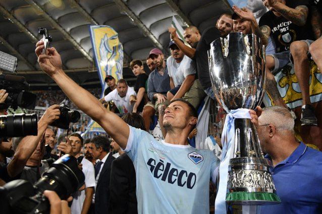fbad4c3a1f ... che dovrebbe trovare una soluzione nelle prossime ore, il calcio  italiano ha già preso una decisione che di certo non farà piacere a molti  tifosi.