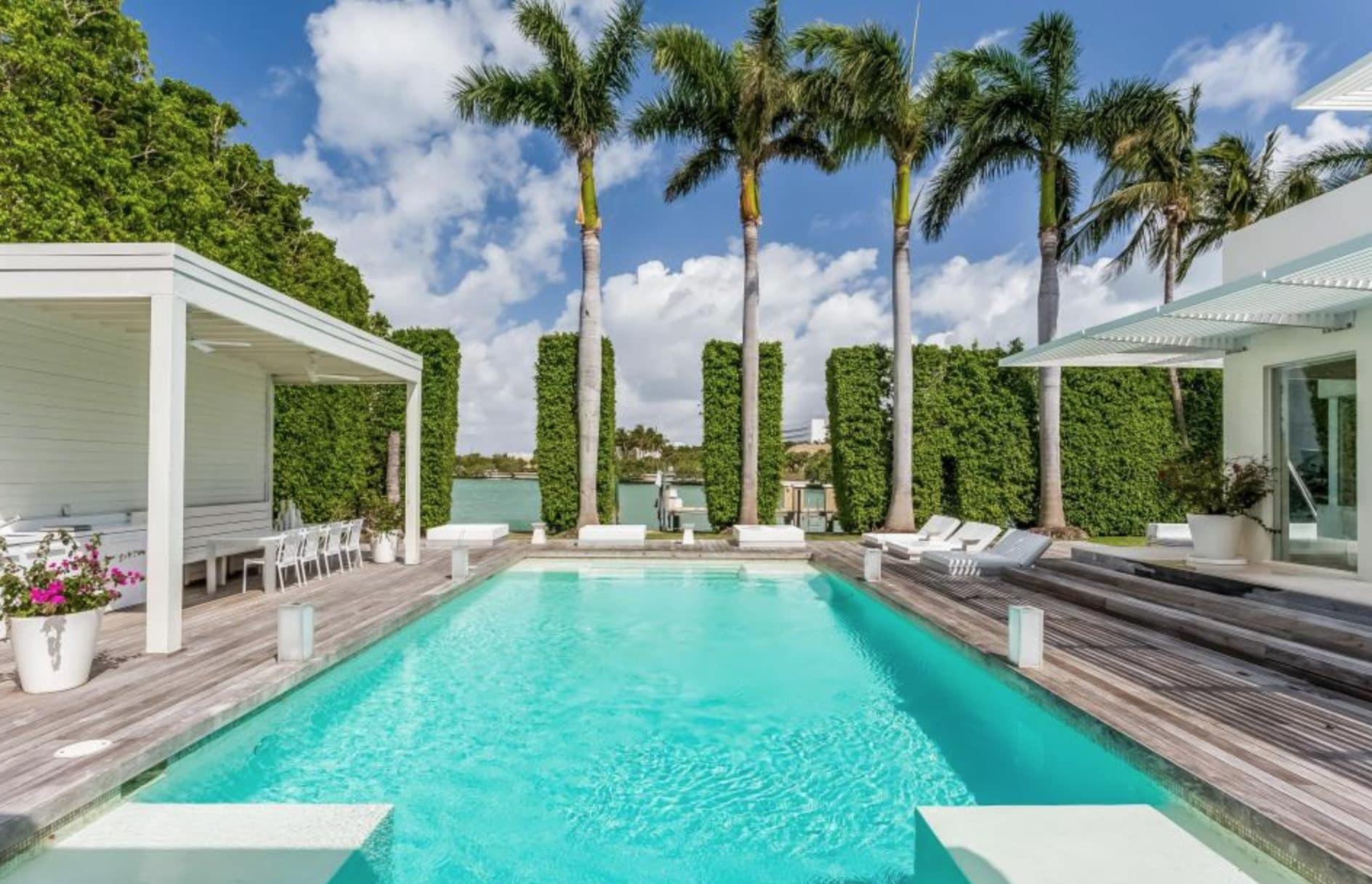 La piscina della villa di Miami di Piqué e Shakira.