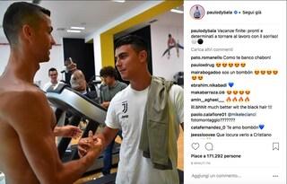 "Juventus, Dybala posta su Instagram una foto con Cristiano Ronaldo: ""Vacanze finite"""