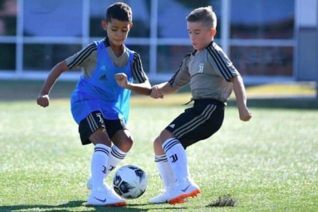 Cristianinho in azione, il figlio di Cristiano Ronaldo protagonista con l'Under 9 bianconera