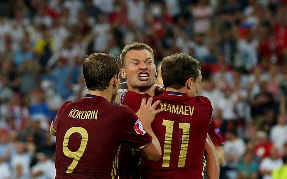 Kokorin e Mamaev con la nazionale russa.