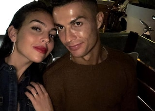 """Georgina Rodriguez esalta Cristiano Ronaldo: """"Sei il mio preferito"""""""