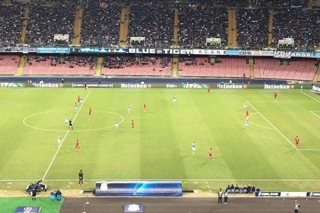 Il classico 4–4–2 del Napoli in fase di non possesso
