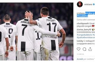 """Juventus, la gioia di Cr7: foto social con Mandzukic al grido """"Tutti uniti, avanti così!"""""""
