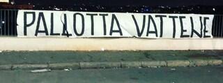 """""""Pallotta vattene"""": a Roma spuntano 100 striscioni contro il presidente"""