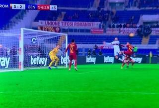 """La moviola di Roma-Genoa, Preziosi: """"Malafede"""". Perché la Var non interviene su Pandev?"""