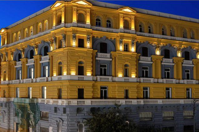 https://www.xn––palazzonan–q4a.it/