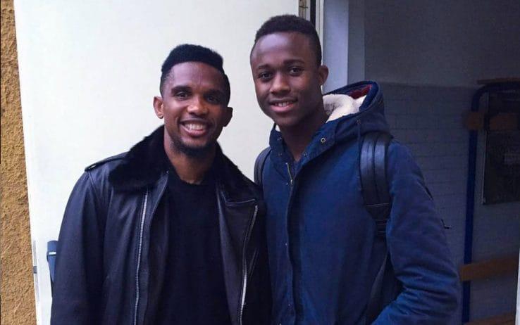 Il giocatore insieme al mito Eto'o – @ Instagram Kouamé