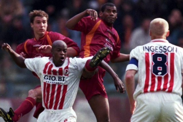 Lutto nel calcio sudafricano: è scomparso Phil Masinga, giocò nel Bari