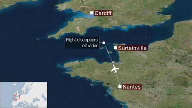 La traiettoria di volo e il punto dove è scomparso l'aereo – Fonte: BBC