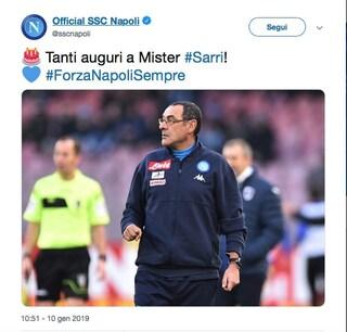 """""""Tanti auguri a mister Sarri"""": gli auguri del Napoli al Comandante azzurro"""