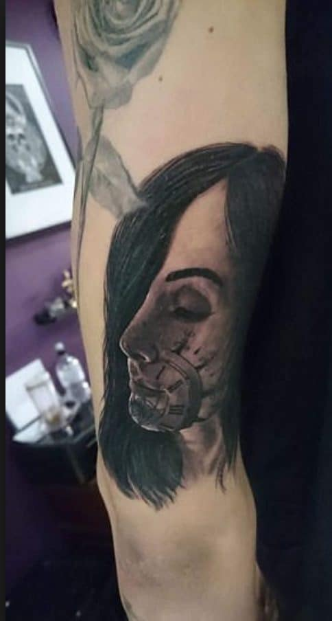John Stones si tatuò il volto della fidanzata.
