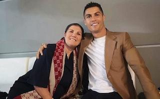 """Cristiano Ronaldo, la madre accusa la Mayorga: """"Se sali in camera non è per giocare a carte"""""""