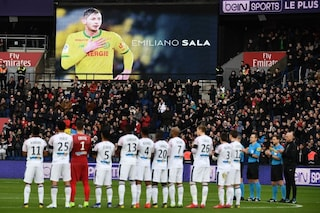 Champions ed Europa League, minuto di silenzio e fascia nera al braccio in memoria di Sala