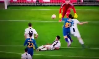 Moviola di Juventus-Atletico, perché Chiellini non fa fallo e su Correa non è rigore