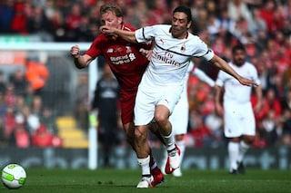 Liverpool Legends vincono 3-2 sulle glorie del Milan. Ma che punizione ha calciato Pirlo