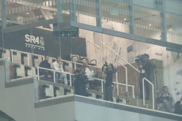 Sergio Ramos seduto nel box privato della tribuna del Bernabeu (l'immagine pubblicata da Marca)