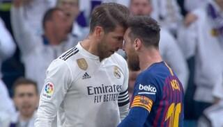 Ramos gli dà una botta sul muso, Messi perde le staffe e lo affronta faccia a faccia