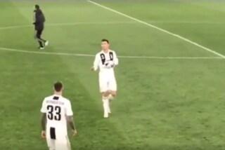 """Cristiano Ronaldo e il gesto post Juventus-Ajax: """"Qualcuno se l'è fatta sotto"""""""