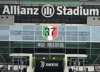 Juventus, il club aggiorna l'ingresso dello Stadium con lo scudetto numero 37