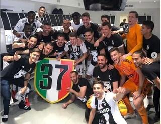 Juventus, 8° scudetto con 5 turni d'anticipo. Record eguagliato ma quel 37 è 'illegale'