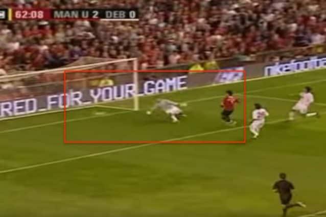 Il gol di Cristiano Ronaldo con lo United nel preliminare di Champions contro il Debrecen