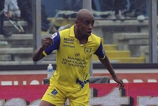 """Fernandes: """"A Verona mi rigarono l'auto, mi scrissero 'negro' e defecarono davanti a casa"""""""