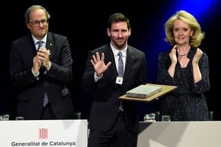 """Barcellona, Messi premiato con la """"Creu de Sant Jordi"""": prima di lui soltanto Cruijff"""